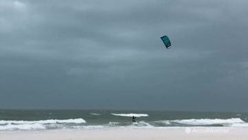 Strong wind and waves pound Florida coast
