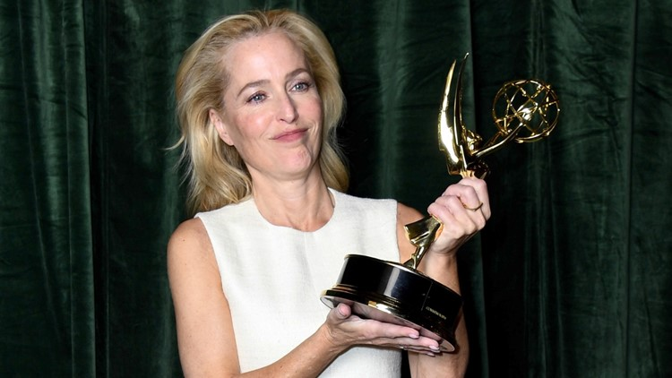 Gillian Anderson Didn't Point Out Reporter's Mistake About Margaret Thatcher After Emmys Win