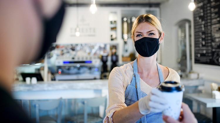 Scottsdale elimina el requisito de cubiertas faciales en los edificios de la ciudad después de la actualización de los CDC