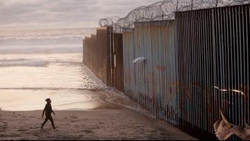 Defense secretary OK's $1 billion for border fencing help