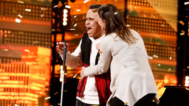 Kodi Lee and his mom golden buzzer