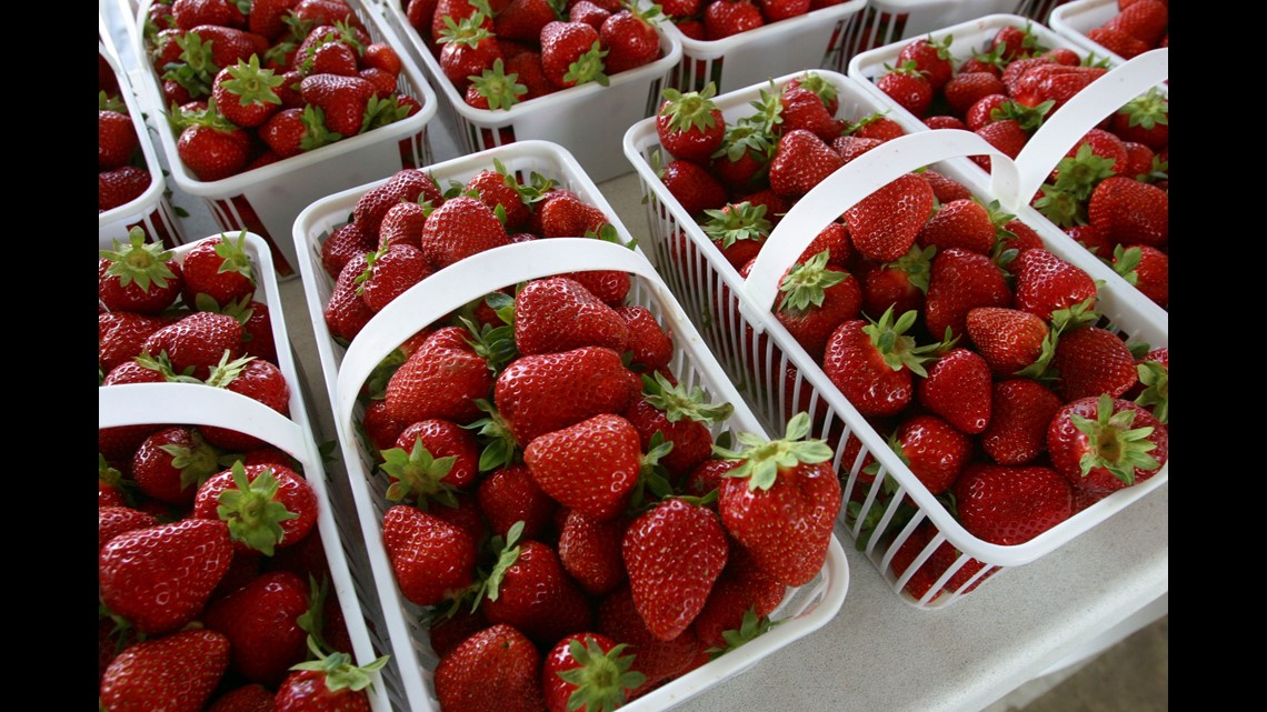 Strawberries Spinach Top Dirty Dozen List Of Fruits And Vegetables With Most Pesticides 12news Com,Black And White Cats Breed