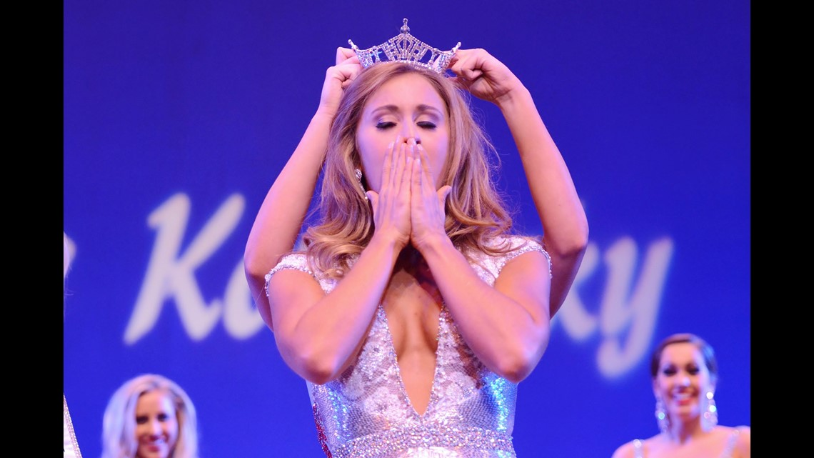 Former Miss Kentucky charged with sending nude pictures to