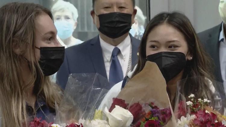 Olympians Suni Lee, Grace McCallum return home to Minnesota