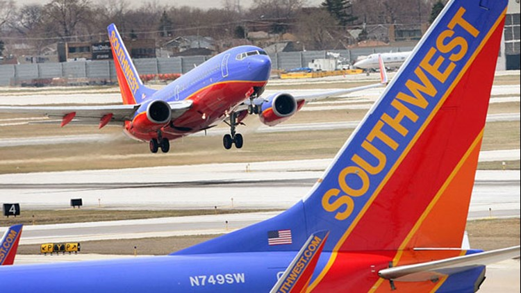 Southwest Airlines cancels  hundreds of flights in Phoenix