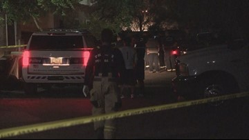 1 dead, suspect on the run after 2 people shot in Phoenix