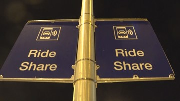 Phoenix council votes to approve extra fees for airport rideshares