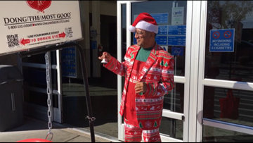 Singing Salvation Army bell ringer in Arizona is hard to miss