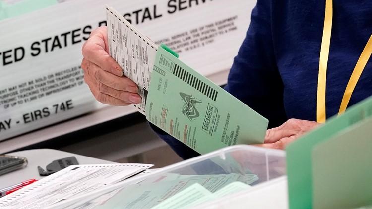 Ducey firma un proyecto de ley que evitará que los votantes inactivos de Arizona reciban automáticamente las boletas electorales anticipadas