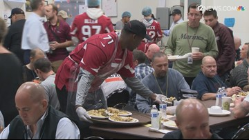 Cardinals continue annual Thanksgiving tradition at Phoenix Rescue Mission