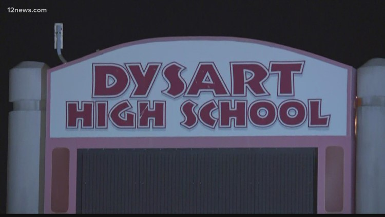 Entrenador de fútbol americano de Dysart High School acusado de conducta sexual inapropiada con estudiante