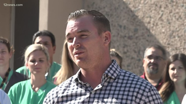 Man honored for pulling pilot from burning plane crash