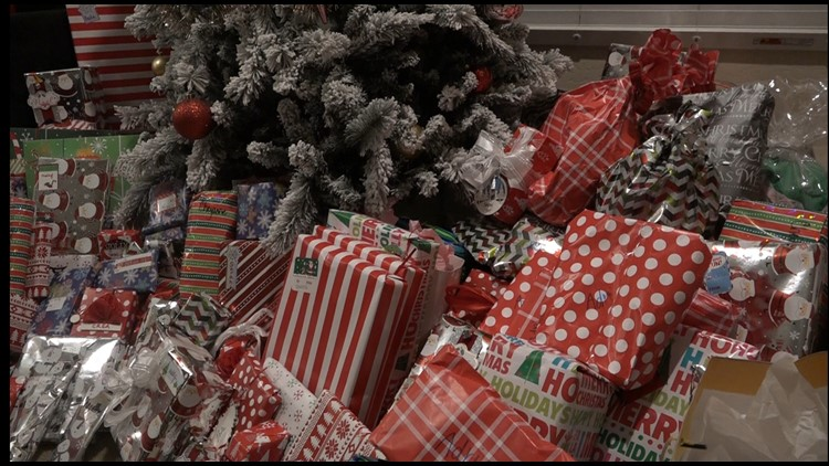 'They are like an extension of my family': Mesa mom helps bring Christmas joy to girls group home