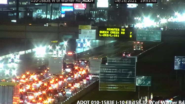 Eastbound I-10 crash involving bus causes major traffic in Ahwatukee