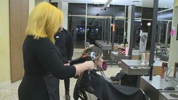 Ducey ordena salones, spas, barberías a que cierren a partir del sábado