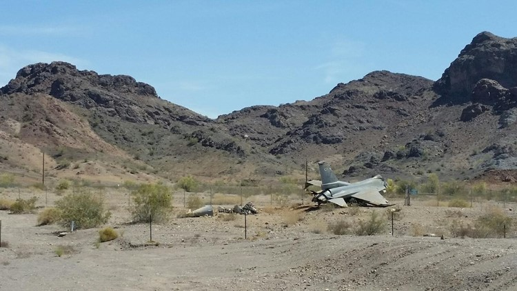 Air Force plane crashes during landing at Lake Havasu airport