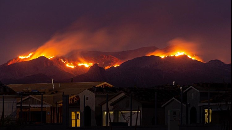 Woodbury Fire over neighborhood in Gold Canyon