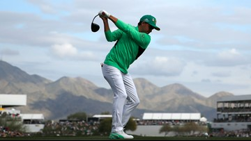 Rickie Fowler shoots 64 for 4-shot lead at Phoenix Open