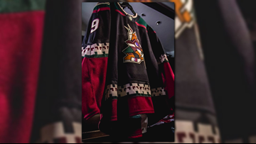 pretty nice 97e1d 4a3a1 Arizona Coyotes reveal Kachina jersey, draft Barrett Hayton ...