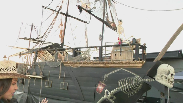 We found the Country Thunder pirate ship!