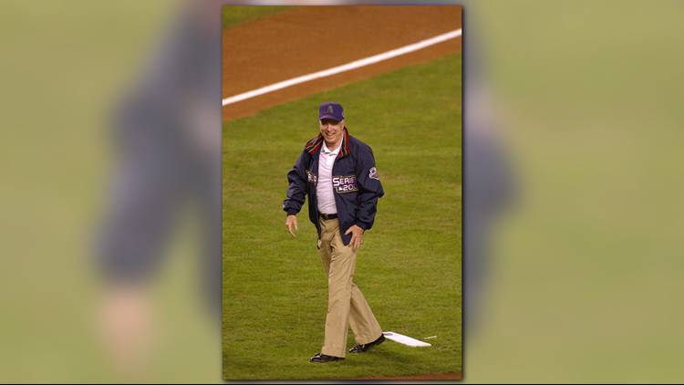mccainfirstpitch_1535249288133.png