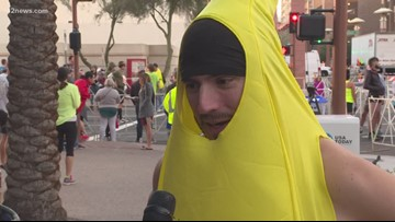 Man in banana suit sets wild world record during Rock 'N' Roll Marathon