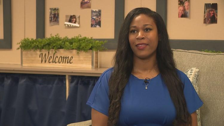 Mamá del Valle se convierte en directora de la misma escuela primaria a la que asistió en Mesa