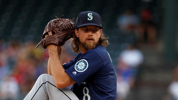 D-backs add Mike Leake to suddenly overflowing starting rotation
