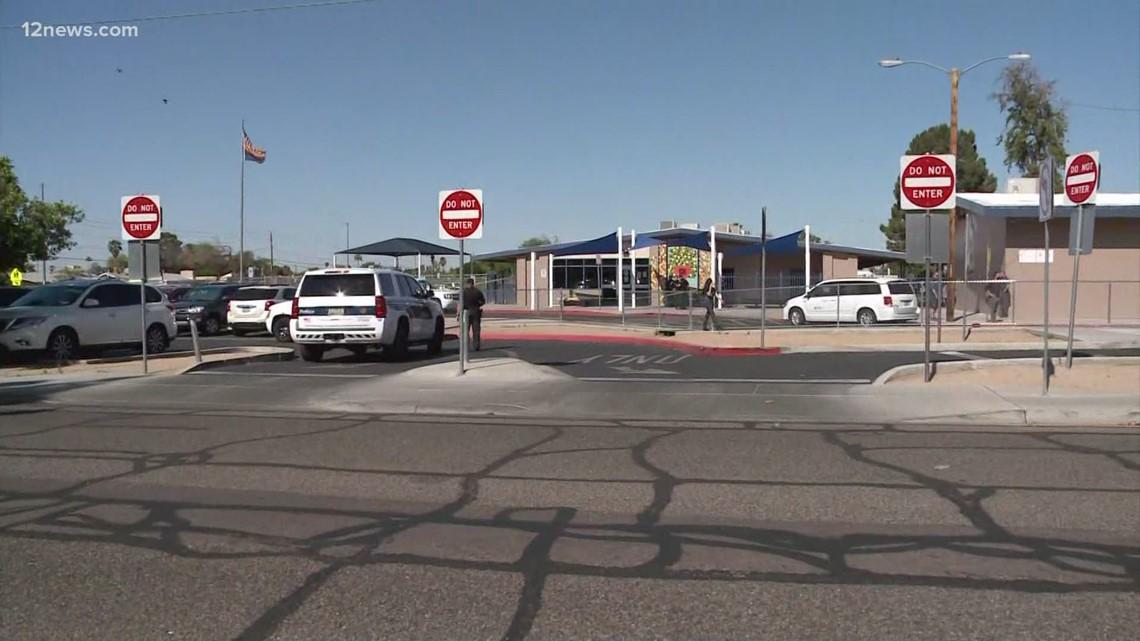 Teenager carjacked outside Phoenix elementary school