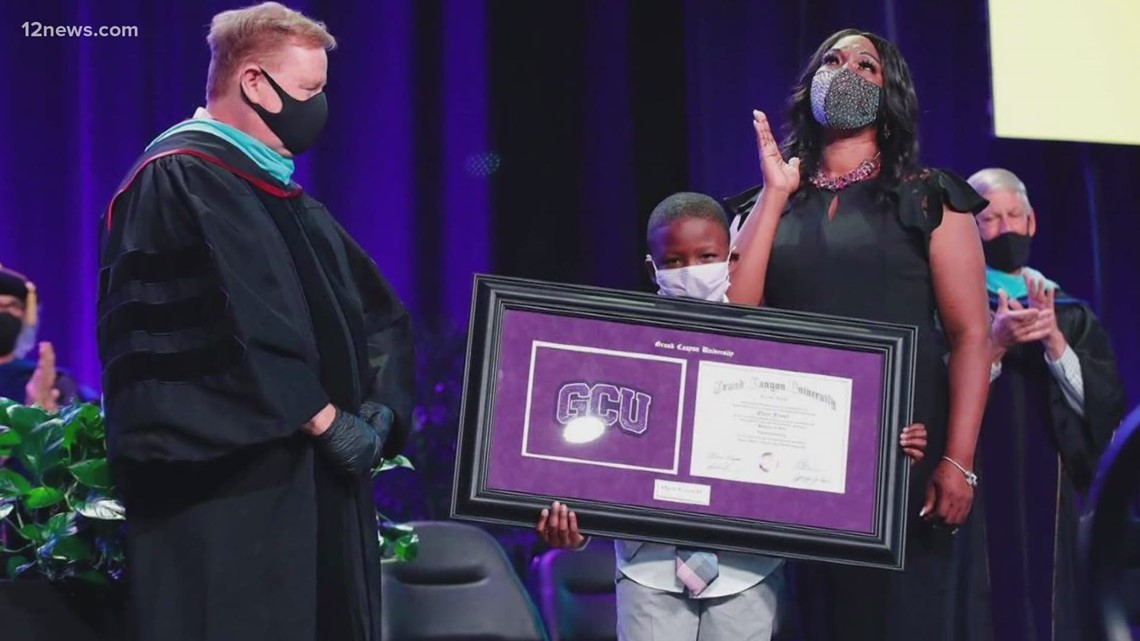 'She raised a good son': Oscar Frayer's mom accepts his GCU diploma