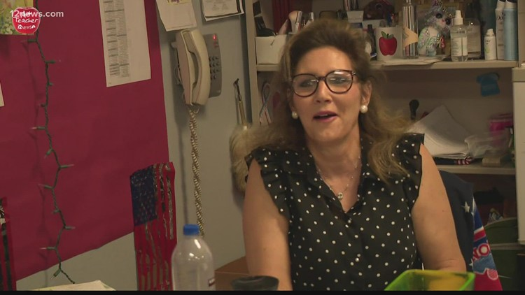 Arizona's A+ Teacher: Educator reminds students they can do anything as she battles colon cancer