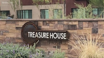 Valley celebs and athletes participate in Celebrity Game Night to benefit Treasure House