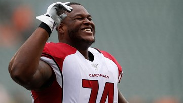 Cardinals re-sign left tackle D.J. Humphries to 3-year, $45 million deal