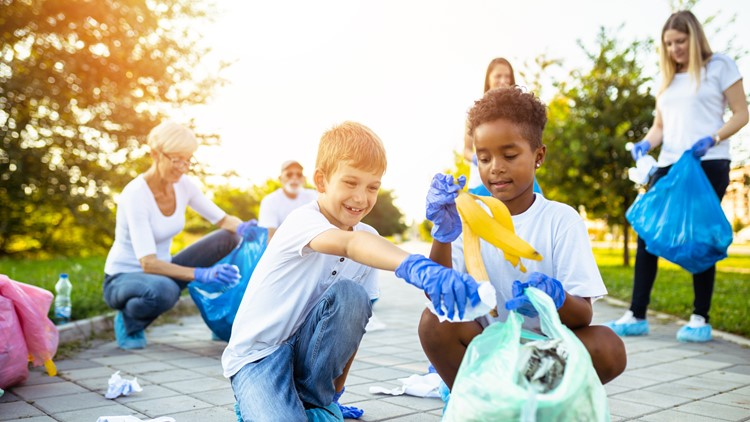 Volunteering in Phoenix: Opportunities to give back around the Valley