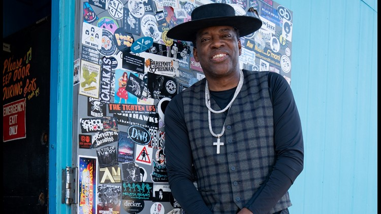 Carvin Jones Band raises money for servers and bartenders