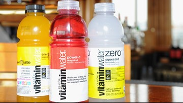 Vitaminwater offering $100,000 if you can go without your smartphone for a year