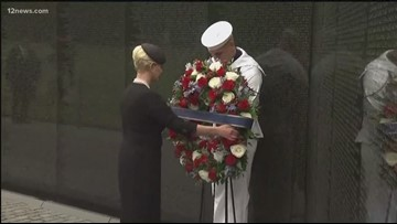 McCain's visit Vietnam Veteran Memorial Wall before funeral