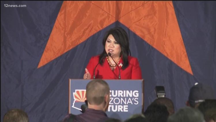 La tesorera republicana del estado de Arizona, Kimberly Yee, anuncia la candidatura para gobernadora en el 2022