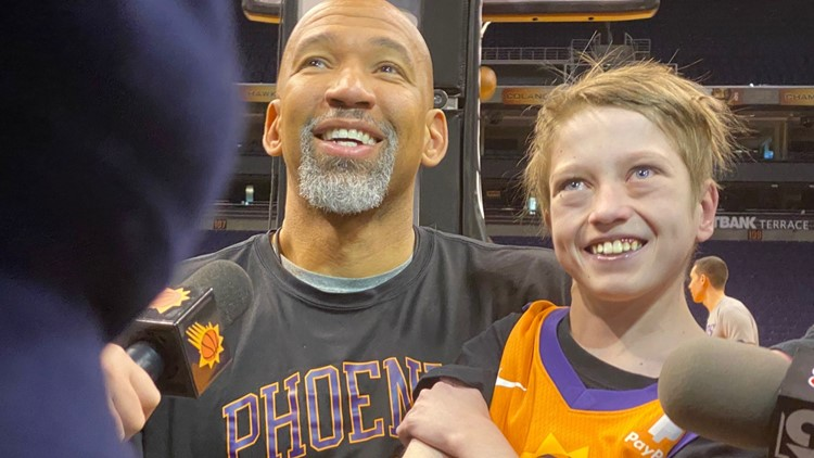 Teen living with rare diseases makes special visit to Phoenix Suns and his favorite player, Devin Booker
