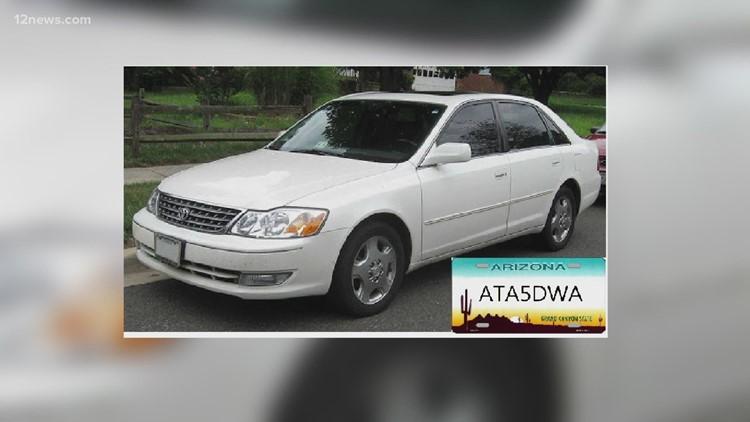 Police: Suspect rams police cruiser before carjacking Phoenix teen
