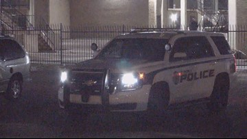 Police: 15-year-old stabs father in Glendale