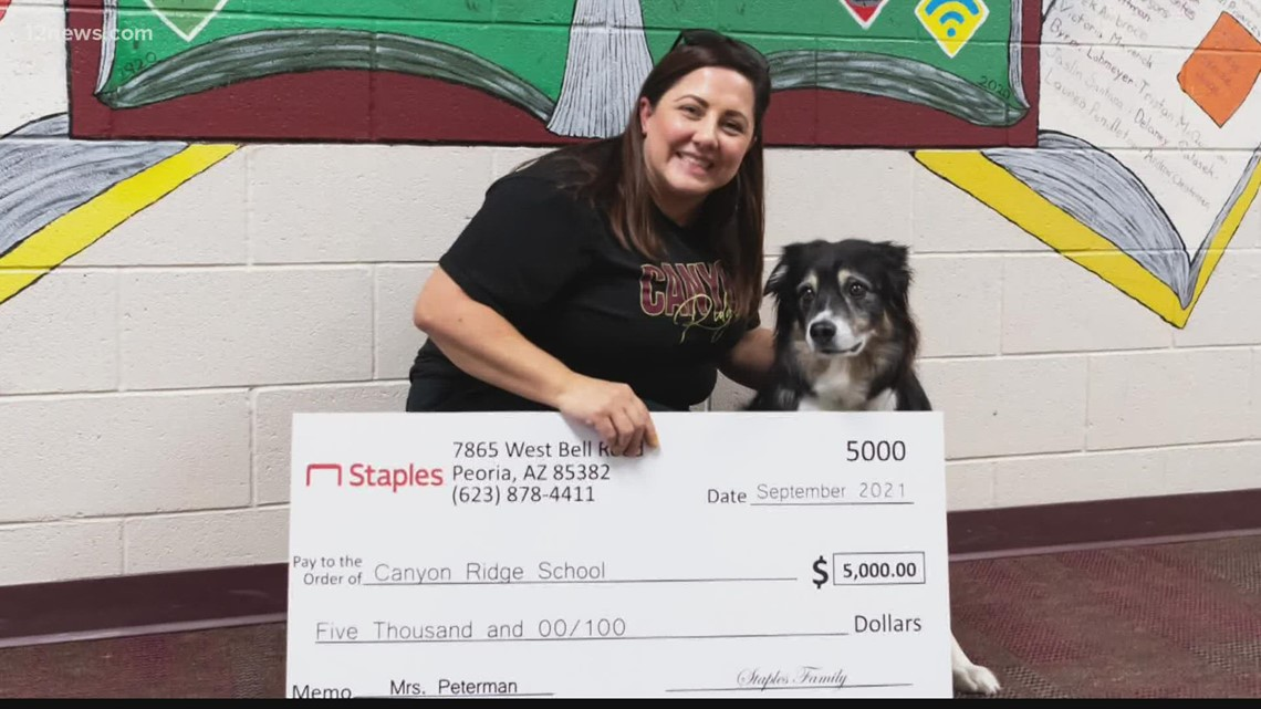 West Valley teacher wins educator award after parent's nomination