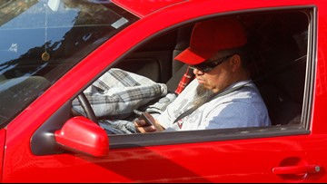 Arizona lawmakers pass cellphone driving ban, sends bill to Ducey