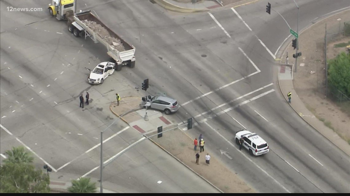 Firefighters extract trapped patient after multi-vehicle crash in Phoenix