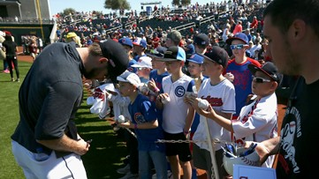 MLB limits spring training autographs amid virus outbreak