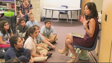 12 News' Tram participates in Read Across America at Mountain View Elementary