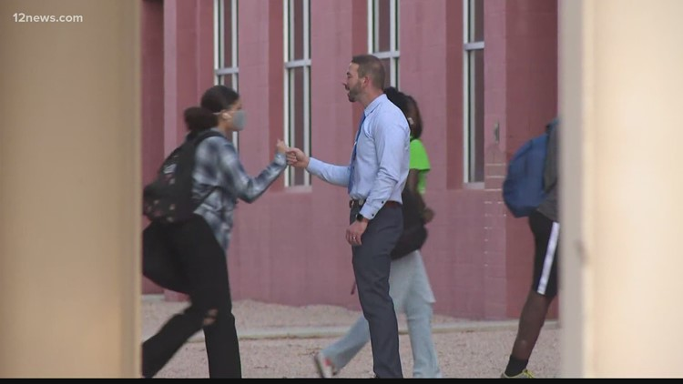 San Tan Valley students welcomed back to school by Pinal County Sheriff Mark Lamb