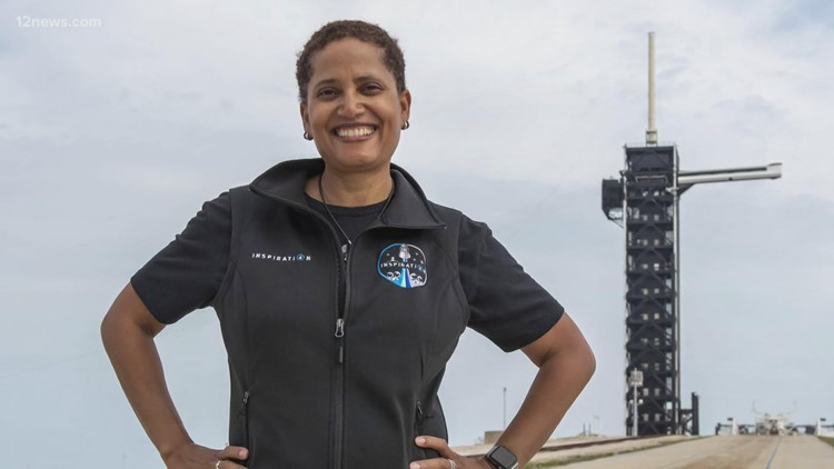 Arizona professor to pilot historic spaceflight