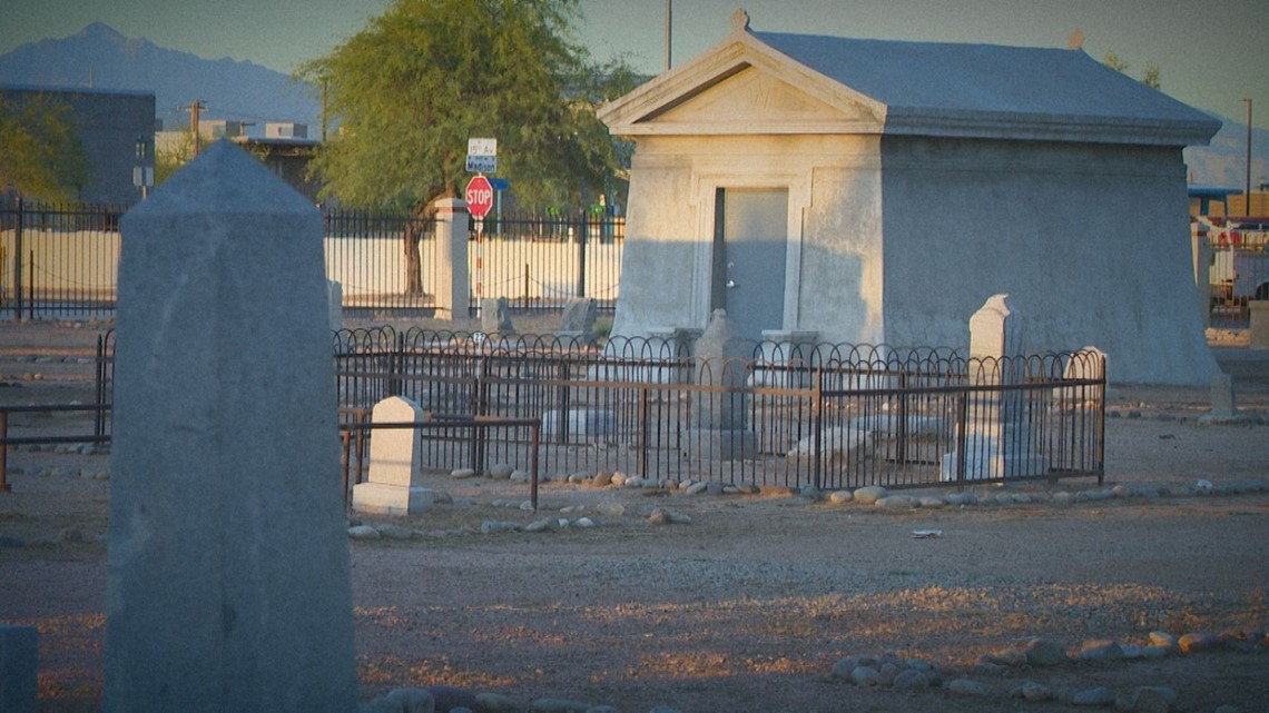 Valley cemeteries come alive with historic tours in October