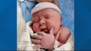 Peoria woman gives birth to 14-pound baby